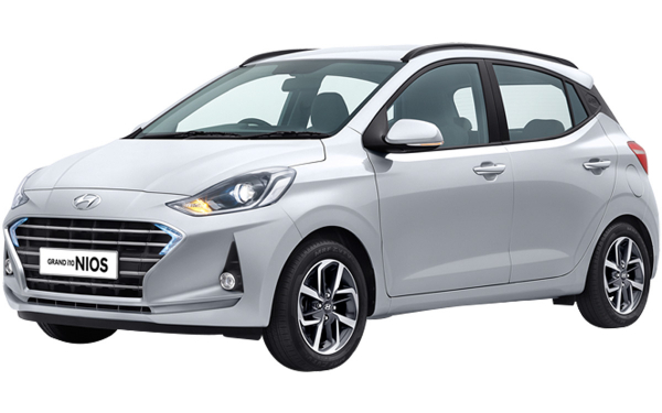 Hyundai Grand i10 Nios Exterior Front Side View (Typhoon Silver)