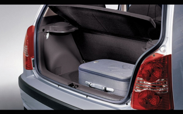 Hyundai  Santro Xing boot space