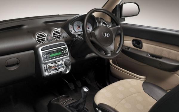 Hyundai Santro Xing interior dashboard