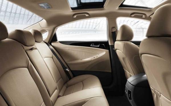 Hyundai Sonata interior seating view