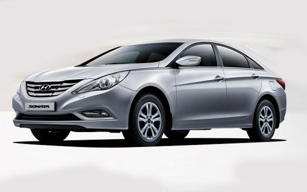 Hyundai Sonata right front side view