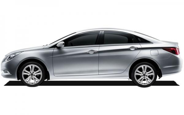 Hyundai Sonata side view