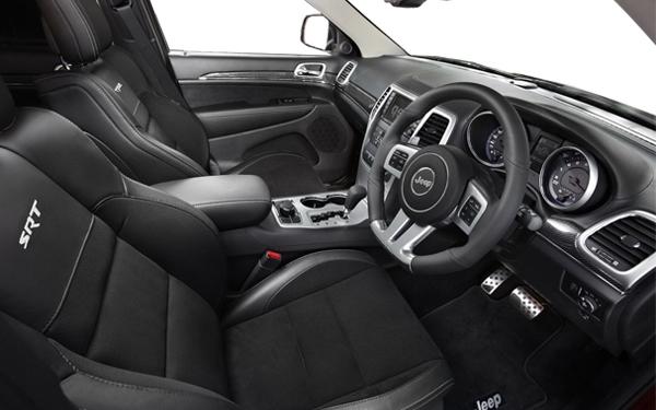 Jeep Cherokee interior Photo 2