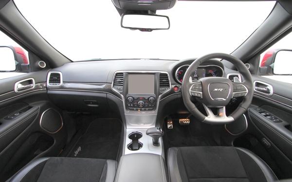 Jeep Cherokee interior Photo 4