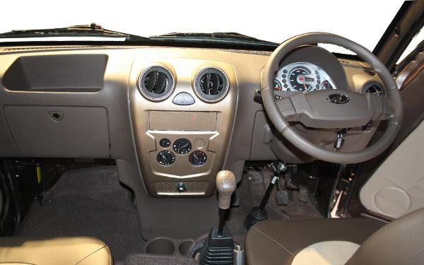 Styling (Exterior & Interior) Photo 0