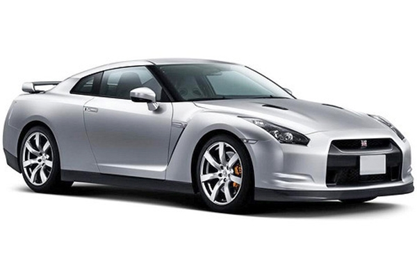 Nissan GTR back right side view