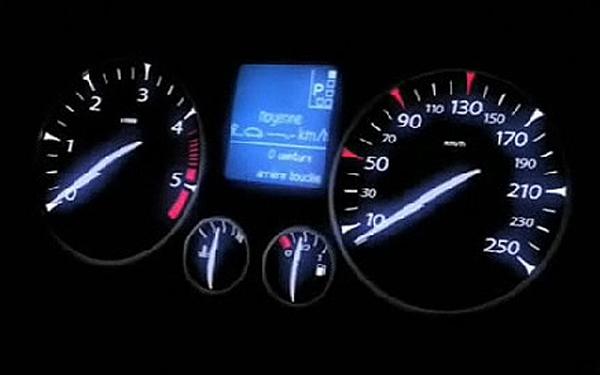 Renault Laguna tachometer