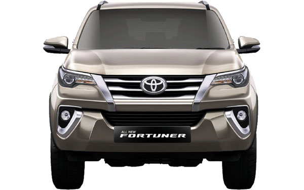 Toyota Fortuner Exterior Front View
