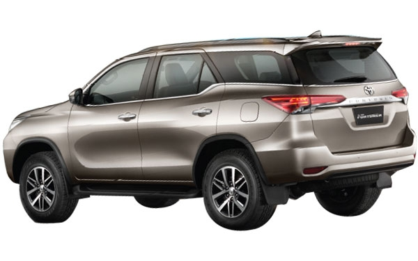 Toyota Fortuner Exterior Rear Side View