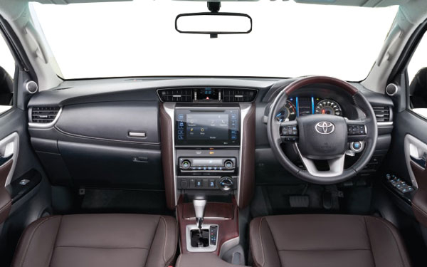 toyota fortuner photos fortuner interior and exterior photos fortuner features. Black Bedroom Furniture Sets. Home Design Ideas