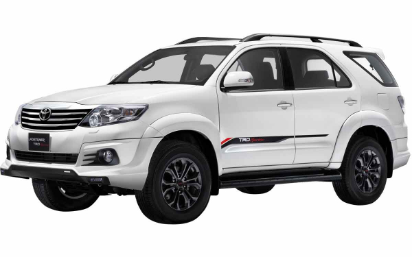 Toyota Fortuner TRD Sportivo Front Side View