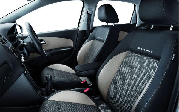 The interior of the Volkswagen CrossPolo Photo 0