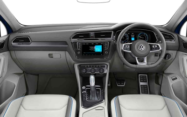 Interior - Features & Specifications Photo 4