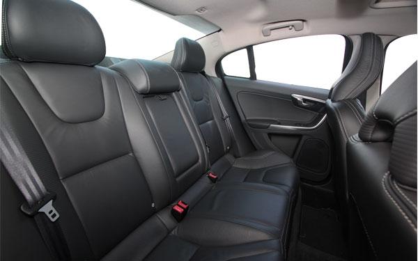 Volvo S60 interior Photo 0