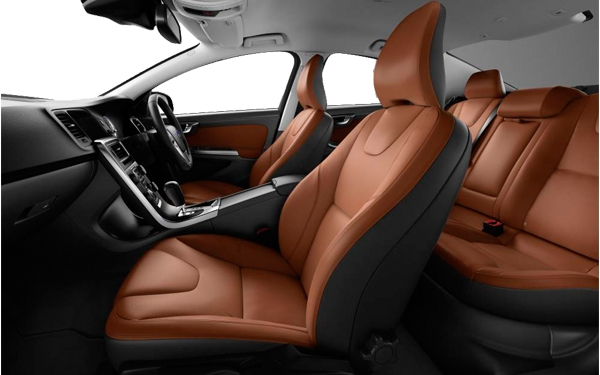 Volvo S60 interior Photo 3