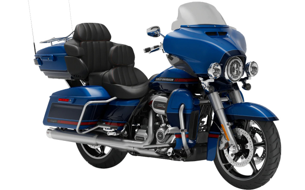 Harley Davidson CVO Limited Front Side View (Moonlight Blue and Deep Sea Blue)
