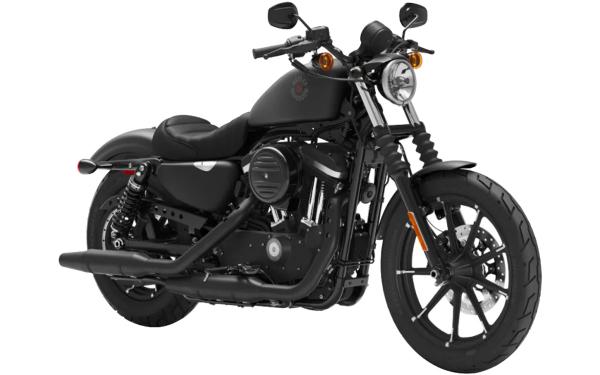 Harley Davidson Street Iron 883 Front Side View (Black Denim)