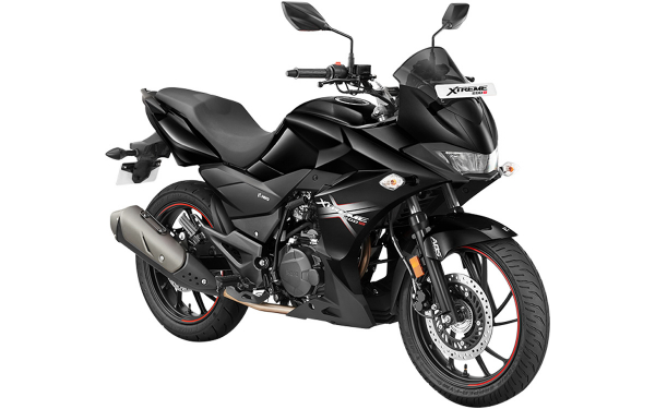 Hero Xtreme 200S Front Side View (Panther Black)