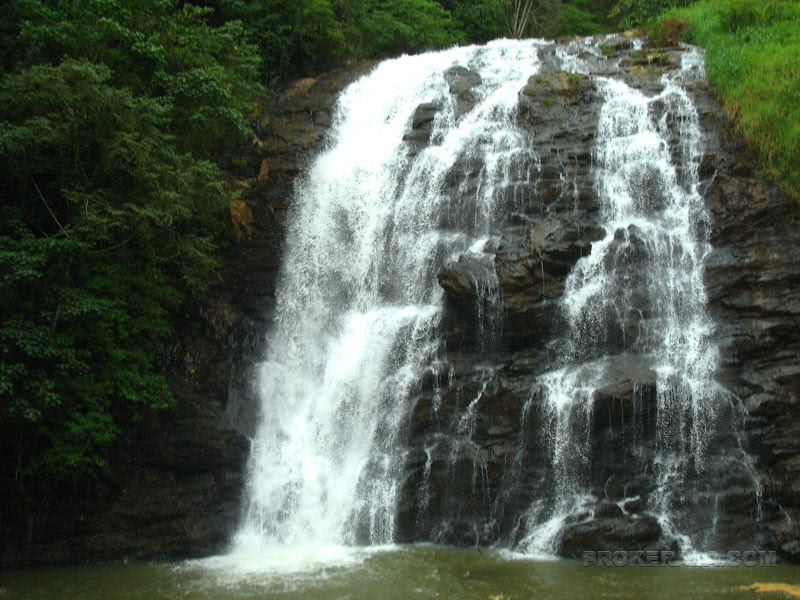 KERALA-Know Everything Real About A Land of Attractions