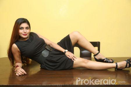 Actress: Pooja Roshan