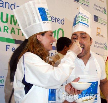 Pasta Lunch by Rahul Bose at Mumbai Marathon 2010 at 16th Jan 2010 at Nariman Point Churchgate