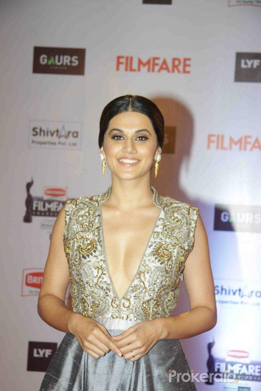 Tapsee Pannu at 61st Filmfare Awards Still