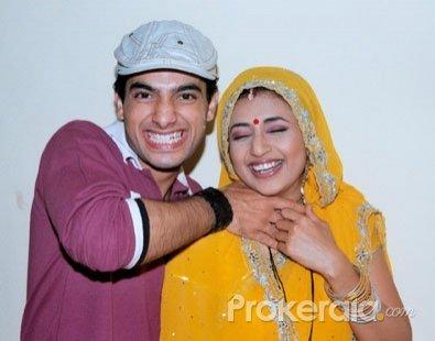 sharad-malhotra-and-divyanka-tripathi-marriage-photos