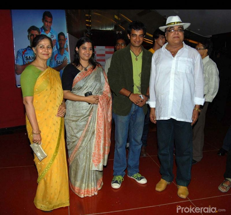 Suhasini Mulay, Renuka Shahane, Pankaj Vishnu and Ashok Kamble at