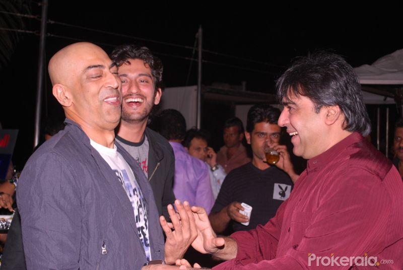 Vindoo Singh, Shaad Randhawa and Sumeet Saigal at the celebration ...
