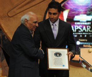 Abhishek Bachchan receives the Guinness world Record