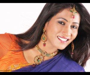 Actress: Veena Shetty
