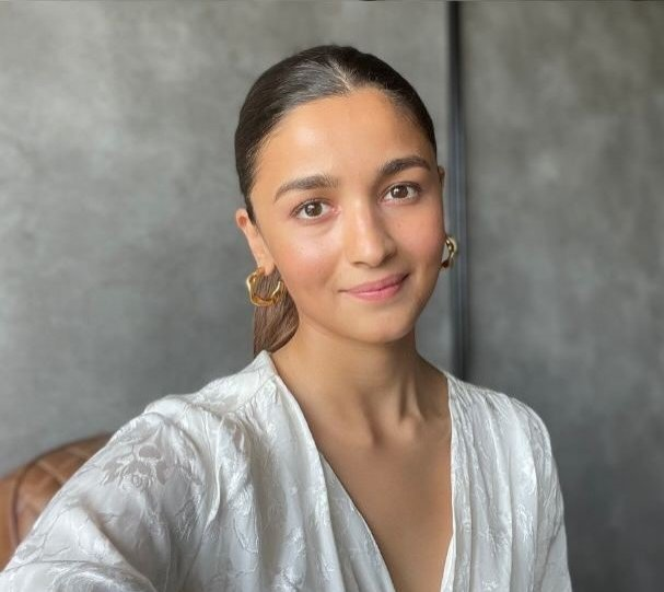 Alia Bhatt to encourage people to get vaccinated against COVID-19