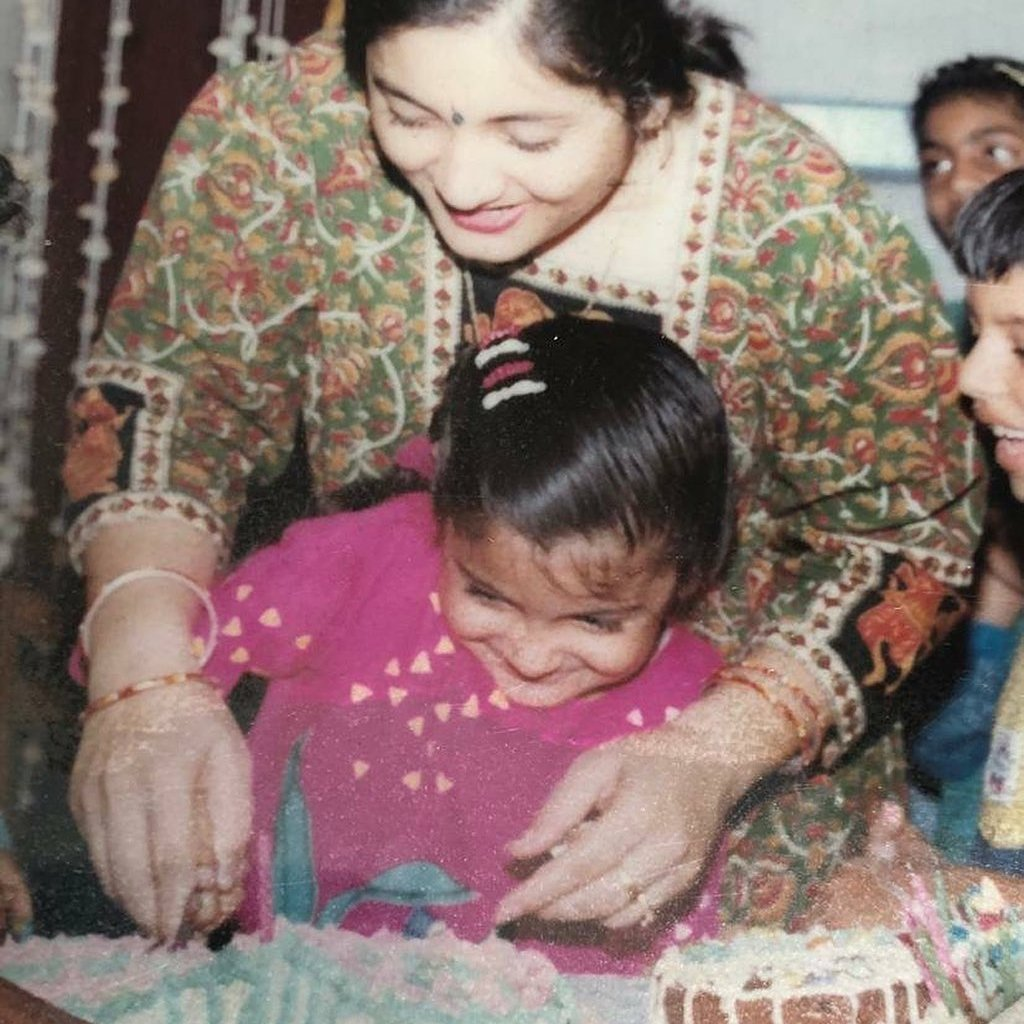Anushka Sharma dedicates Women's Day to the mothers