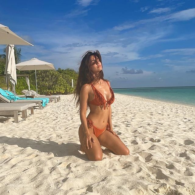 Disha Patani flaunts hourglass perfection in fringed bikini