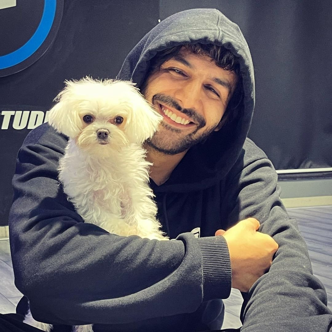 Kartik Aaryan shares pics with his adorable new furry friend