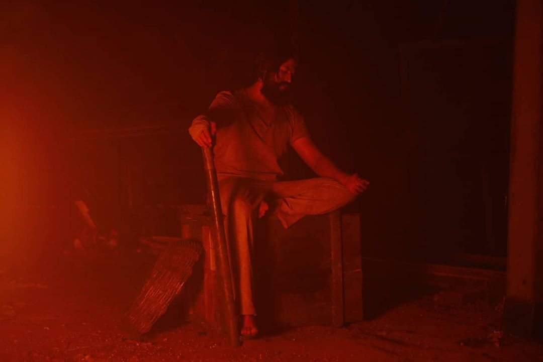 KGF Chapter 2 new poster