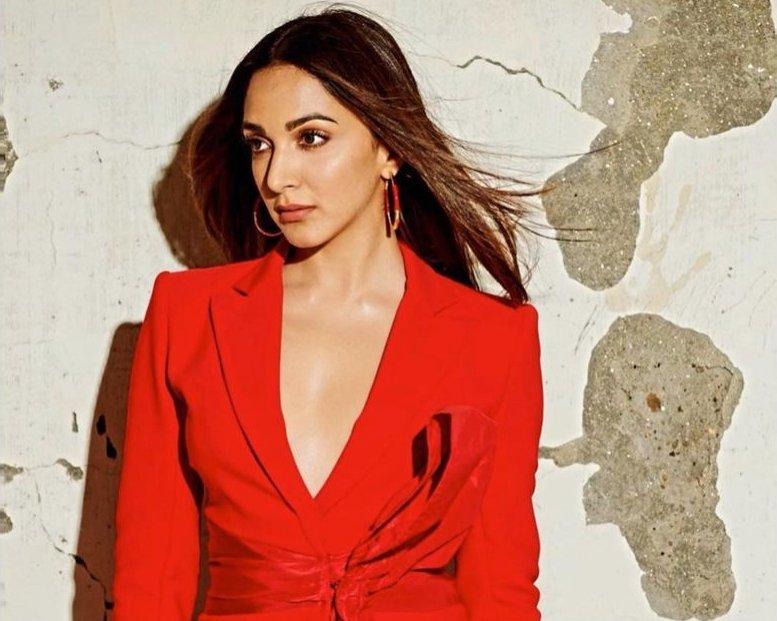 Kiara Advani looks fabulous in red pantsuit