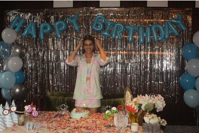 Kriti Sanon's surprise gift for fans on her birthday