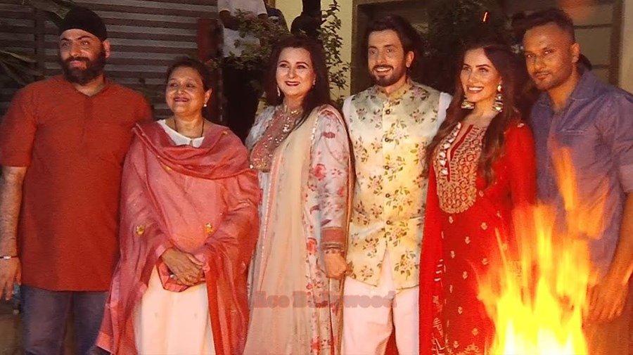 Poonam Dhillon and Supriya Pathak celebrated Lohri with the cast of 'Jai Mummy Di'
