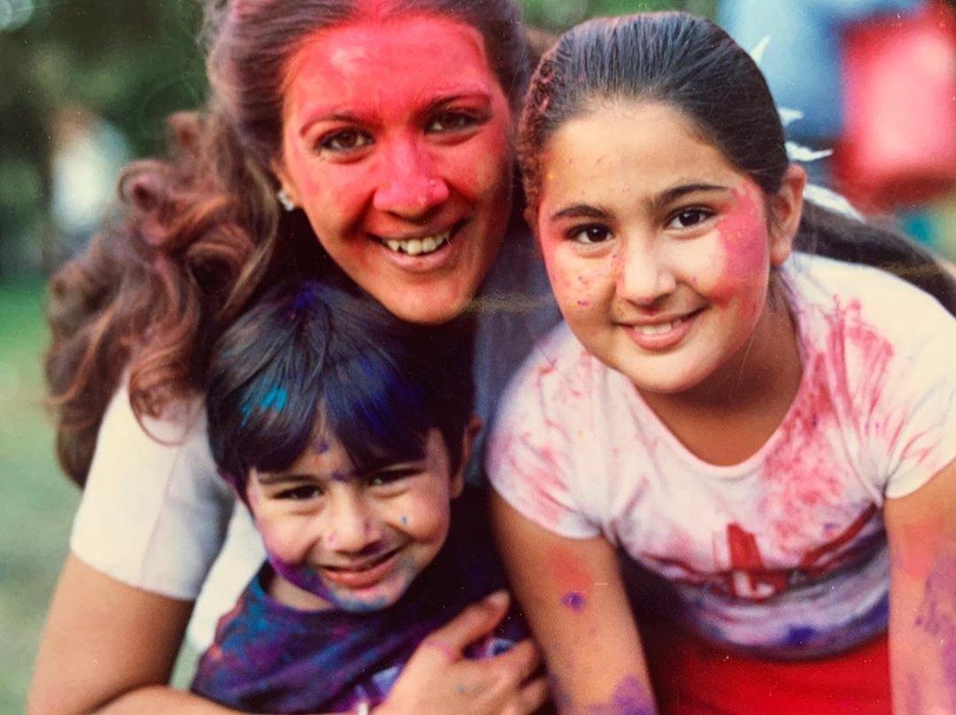 Sara Ali Khan Shares Throwback Pic with Ibrahim and Amrita Singh