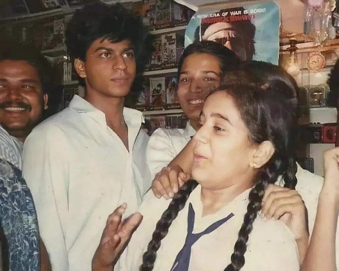 Shah Rukh Khan's old pic in school uniform goes viral