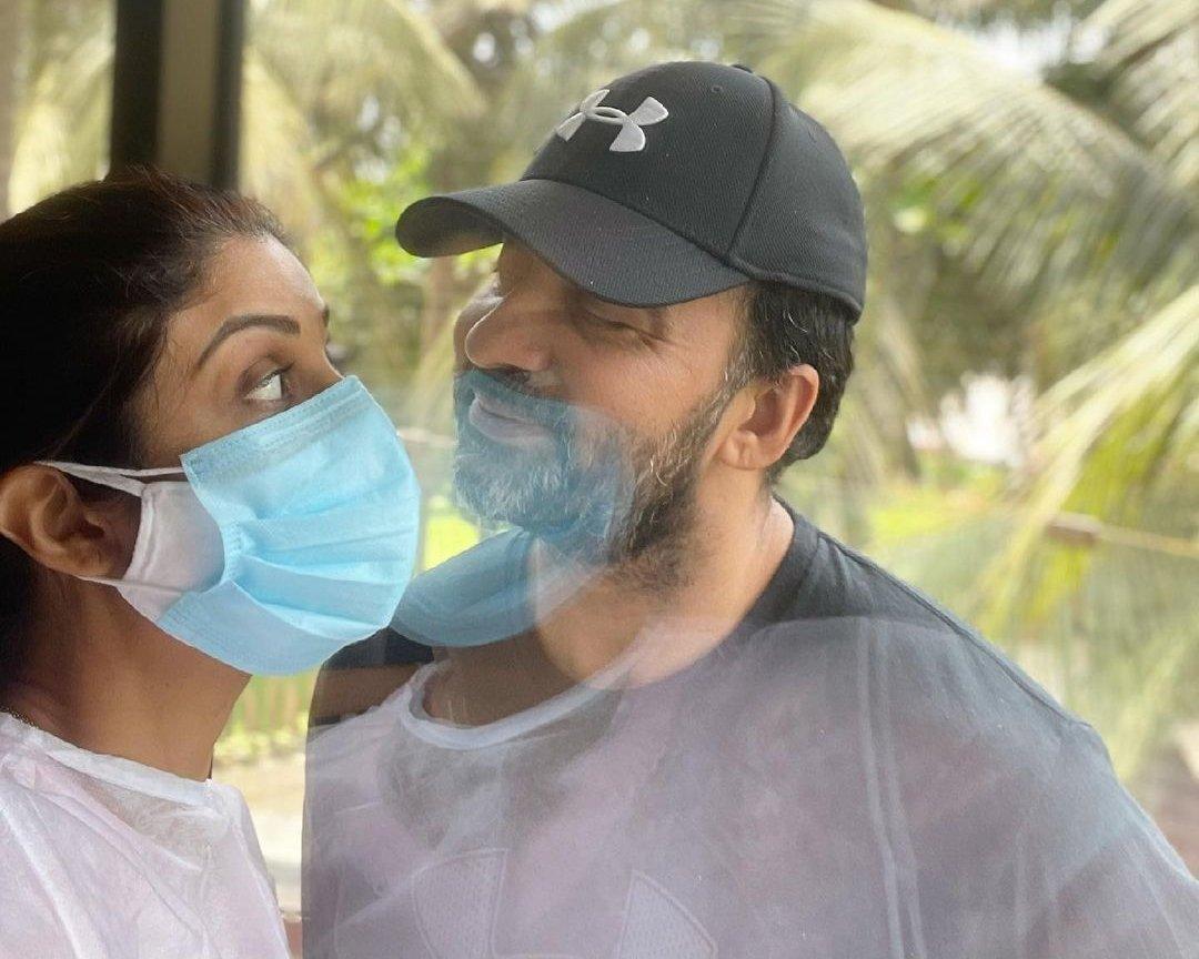 Shilpa Shetty shares pic with corona-positive Raj Kundra