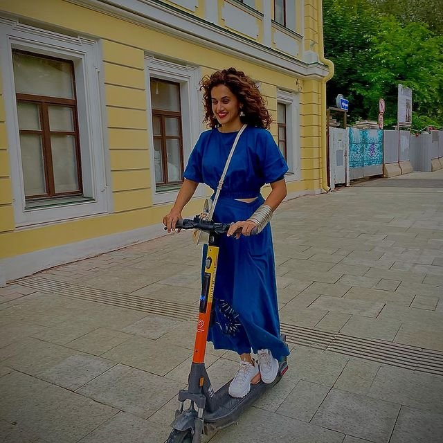 Taapsee Pannu shares new pics from her Russia vacation