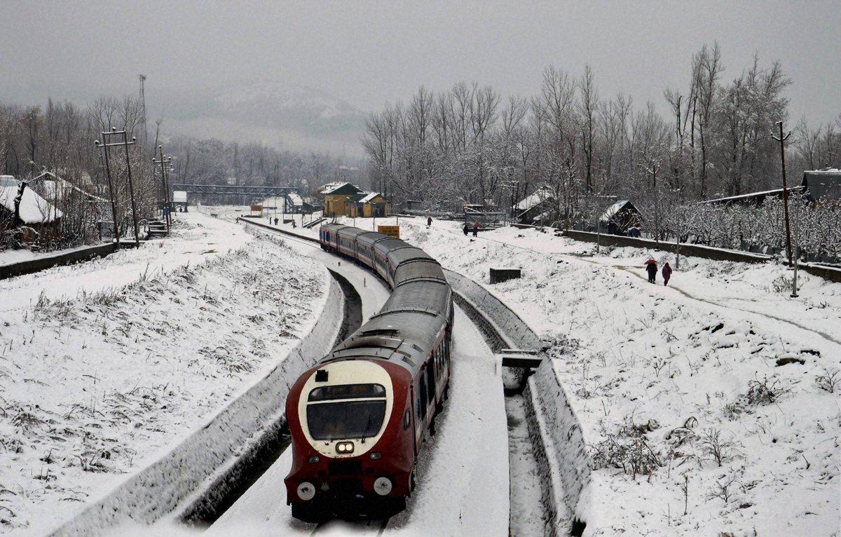 The Snow - Qazigund to Baramulla