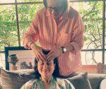 Kareena Kapoor Khan gets a relaxing head massage from mom Babita, Malaika Arora and Karisma Kapoor love her pampering session