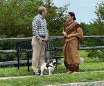 Neena Gupta shares a lovely picture with Anupam Kher from the sets of 'Shiv Shastri Balboa'