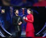 Rajkummar Rao mimics Shah Rukh Khan and Sunny Deol on KBC 13