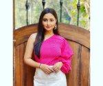 Big Boss 13 Rashami Desai steals hearts in fresh yellow saree, take a glimpse of her Naagin 4 look