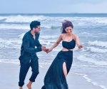 Urvashi Rautela and Guru Randhawa tease their fans by sharing picture from 'Mar Jayenge'
