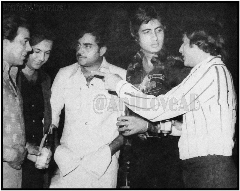 Amitabh Bachchan shares priceless pic with Jeetendra, Dharmendra, Prem Chopra and Shatrughan Sinha